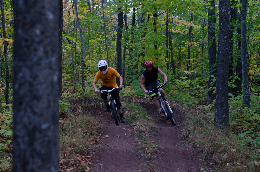Dual slalom MTB racers head-to-head at the Michigan Tech Trails