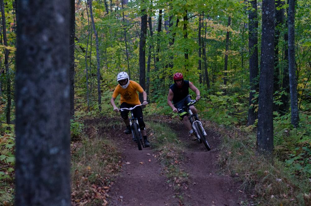 Dual slalom MTB racers head-to-head at the Michigan Tech Trails
